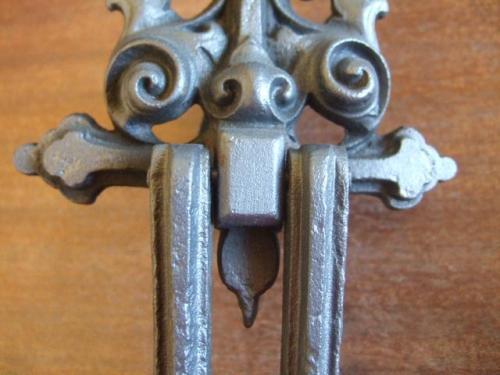D044l Victorian Cast Iron Door Knocker Antique Door Knockers