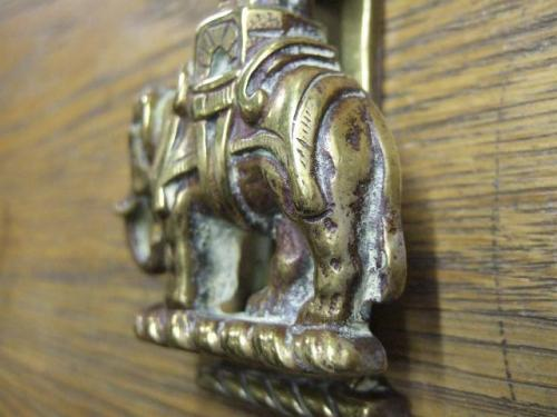 D477 antique elephant and castle door knocker antique door knockers - Brass elephant door knocker ...
