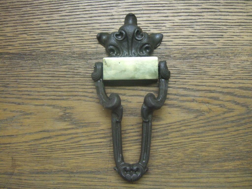 Victorian Cast Iron Door Knocker - D039