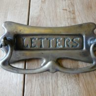 D045_0815_Antique_Brass_Letterbox_&_Doorknocker