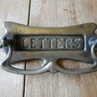 D045_0815_Antique_Brass_Letterbox_&_Doorknocker
