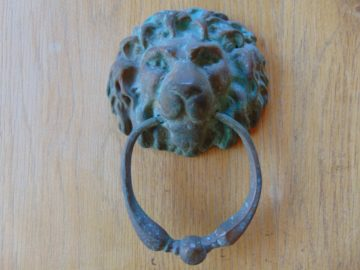 Bronze_Lions_Head_Door_Knocker_Finger_Plates_and_Door_Knob_d265l-1116
