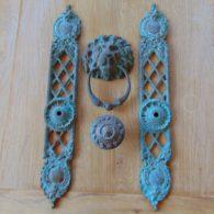Bronze_Lions_Head_Door_Knocker_Finger_Plates_and_Door_Knob_d265l-1116