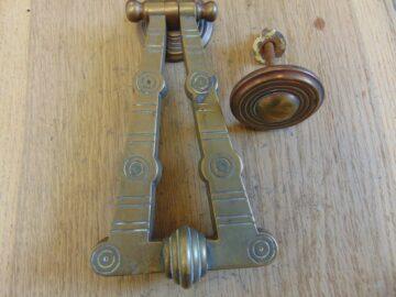 Arts_&_Crafts_Door_Knocker_D268L-0418