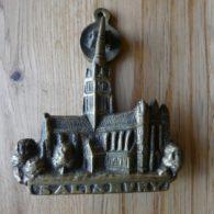D426_1015_Salisbury_Cathedral_Door_Knocker
