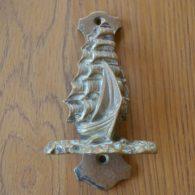D105_0515_Antique_Brass_Sailing_Ship_Doorknocker