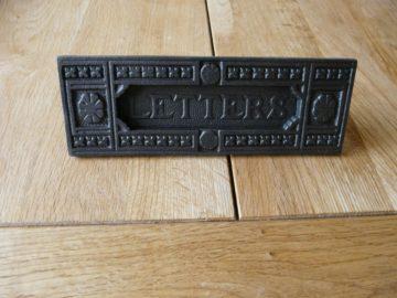 D114_0715_Victorian_Cast_Iron_Letterbox