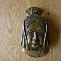 D281_0715_Queen_Victoria_Head_Door_Knocker