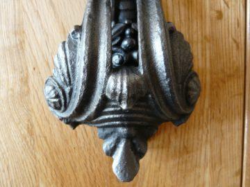 D006_0915_Victorian_Cast_Iron_Door_Knocker