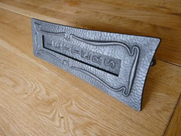 D008_0915_Art_Nouveau_Cast_Iron_Letterbox
