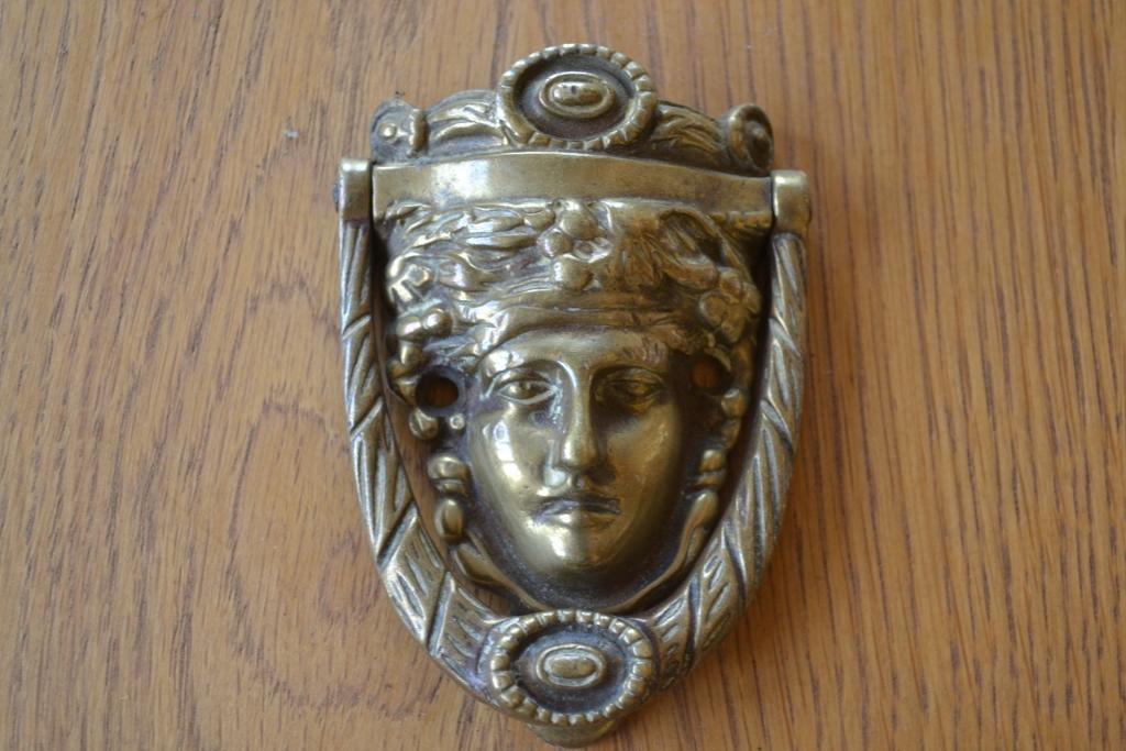 Dionysus_Brass_Door_Knocker_RD014