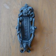 D208_1215_Victorian_Cast_Iron_Letterbox_&_Knocker