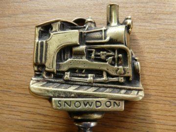 D009_Snowdon_Train_Bottle_Opener