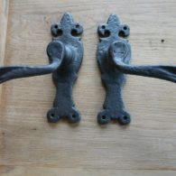Cast_Iron_Door_Handles_d088-1016