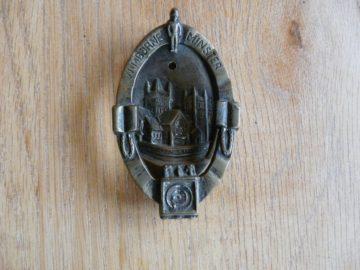 Wimborne_Minster_Door_Knocker_d145-1116