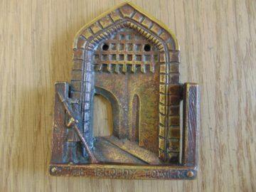 The_Bloody_Tower_Door_Knocker_D442-0917
