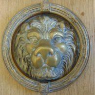 D122-1217bLarge_Lion's_Head_Door_Knocker_