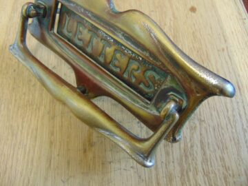 Victorian_Letterbox_and_Door_Knocker_D064L-0318