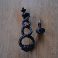 Victorian Cast Iron Entwined Door Knocker D353-0319 Antique Door Knockers