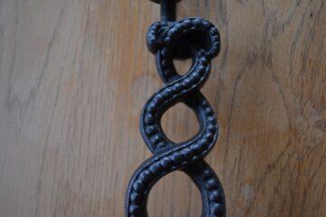 Victorian Cast Iron Entwined Door Knocker D353-0319 Antique Door Knockers